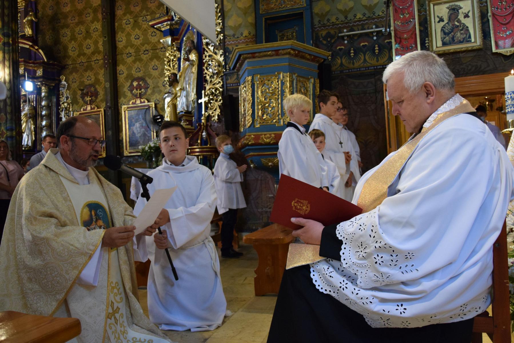 2021.07.04-Kanoniczne-objecie-parafii-przez-ksiedza-Proboszcza-Jacka-Budzonia_7